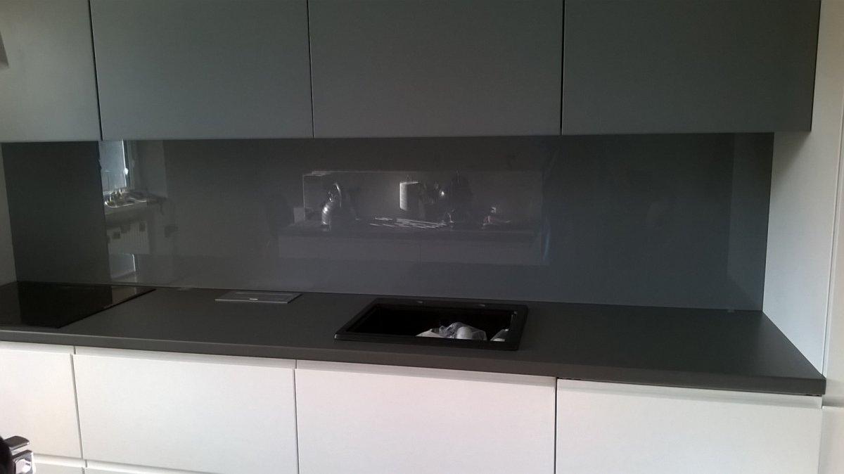 Bardzo dobryFantastyczny Szkło lakierowane do kuchni - minimalistycznie - Szkło do kuchni YT86